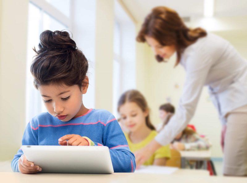 Veja como usar a tecnologia para incentivar a leitura na escola!